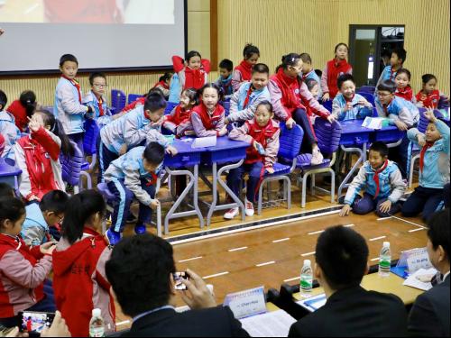 日产(中国)新闻稿:日产筑梦课堂首次在广西开课548.png