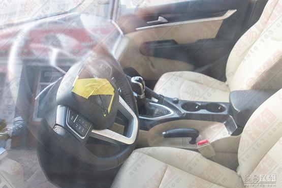 东风汽车是国内所有汽车厂商里,仅有的两个没有suv车型的汽车高清图片