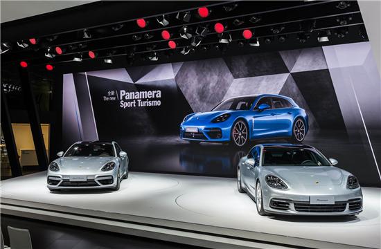 保时捷Panamera Turbo Sport Turismo.jpg