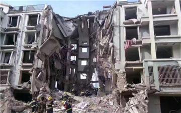 内蒙一居民楼天然气管道爆炸楼体塌陷