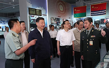 习近平等参观庆祝建军90周年主题展览
