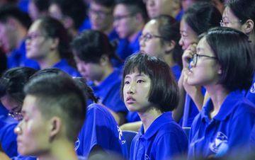 13岁最小新生现身浙大开学典礼 成绩超一本线135分
