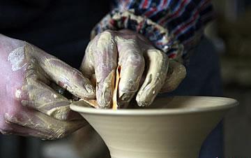 贵州遵义的土陶技艺传承人