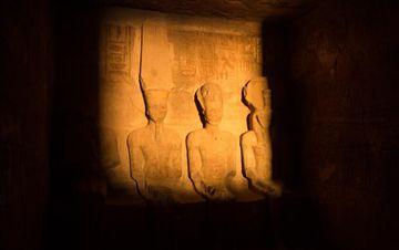 日光节奇迹闪耀埃及阿布·辛拜勒神庙