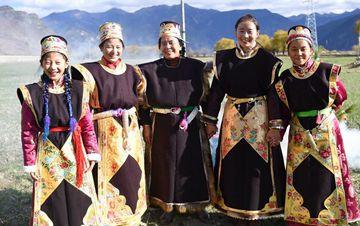 别具一格的工布藏族服饰