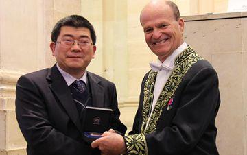 两名中国科学家首获法国科学院年度大奖
