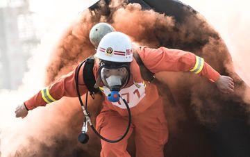 消防官兵比武竞赛