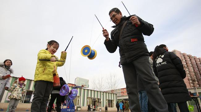 """北京丰台:""""娃娃庙会"""" 喜迎新春"""