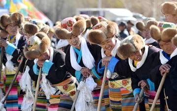 西藏:春耕大典开启新春第一犁