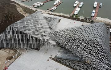 外国建筑师在阳澄湖边设计了一个奇特建筑