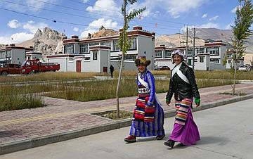 西藏阿里:建设中的边境小康示范村