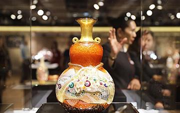 日本玻璃艺术展在香港举行