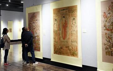 90余幅敦煌藏经洞流失海外文物复制品展出