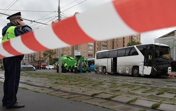 一载有中国游客大巴在莫斯科发生交通事故