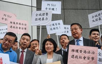 港区省级政协委员举行撑警活动