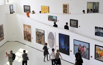 第十三届全国美展油画作品展开幕