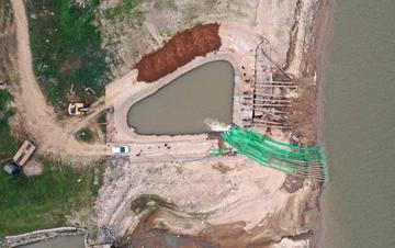 鄱阳湖提前出现低枯水位 江西南昌抗旱保供水