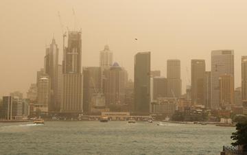 澳大利亚林火逼近悉尼城区