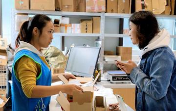 """快递包装""""回箱计划""""受到上海师生欢迎"""