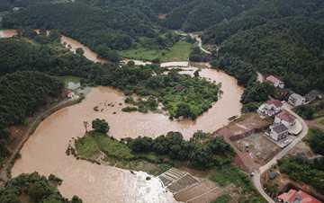强降雨致湖南岳阳平江部分乡镇受灾