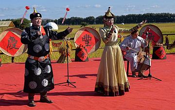 """内蒙古兴安盟举行""""兴安盟大米""""丰收节活动"""