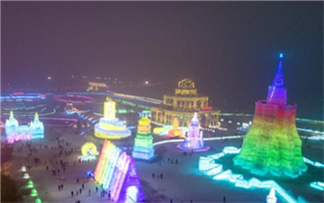 长春:游冰雪天地 过快乐新年