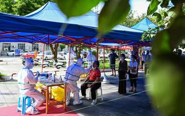 云南瑞丽:主城区居家隔离 严控疫情保民生