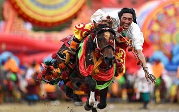 青海玉树藏族自治州庆祝成立70周年