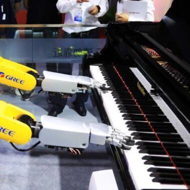 机器人钢琴师