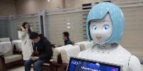 智能机器人太原火车站上岗服务