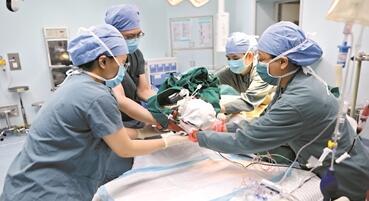 6个月宝宝突发肝衰竭 医院接力救治