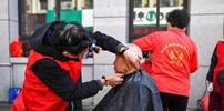 临安昌化:三服务公益行