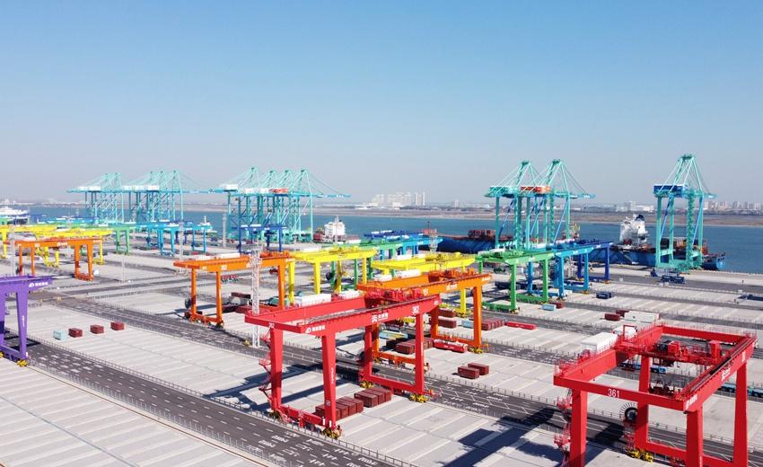 """天津港""""智慧零碳""""码头投产运营"""