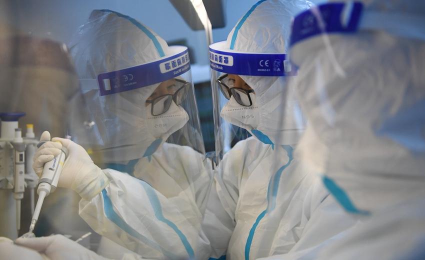 """与病毒""""赛跑""""――探访核酸检测实验室"""