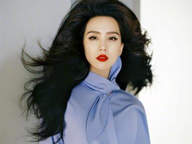 刘诗诗出镜《嘉人》十一月刊双封面