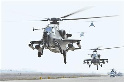 南京军区某陆航团战机进行编队飞行训练(图)