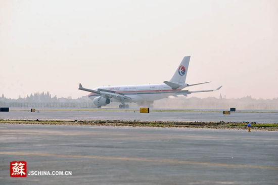 南京禄口国际机场二期工程今日试飞成功