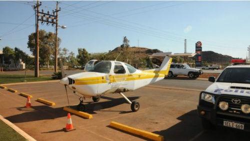 澳洲男子开无翼飞机上酒吧遭警方起诉