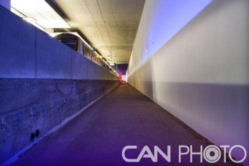"""伦敦希斯罗机场地下有个""""幽灵""""火车站"""