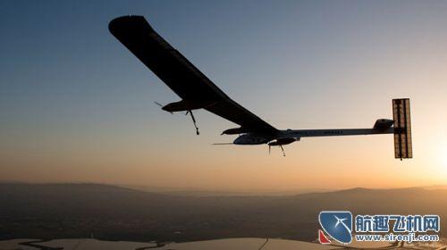 世界最大太阳能飞机开始横跨美国大陆之旅