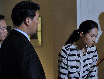 韩亚失事客机乘务员出席媒体见面会