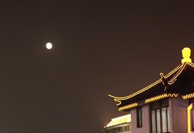 BG1811076�K州月亮夜景旅游王��超街景建筑.jpg