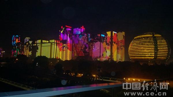 GH1811015杭州江边夜景段常颖街景建筑.jpg