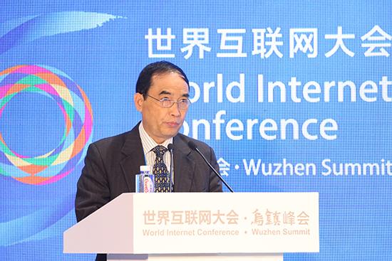 澳门互联网文化协会会长黎世祺发表主旨演讲。.jpg
