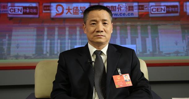 全国人大代表、中国石化洛阳分公司党委副书记、总经理江寿林