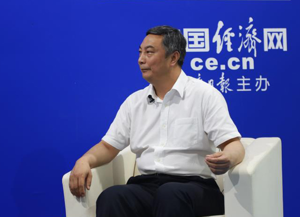 伊利集团副总裁陈福泉1.jpg