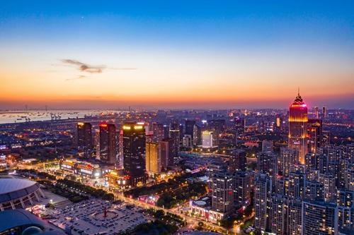 从成长股到白马股:中南建设房地产、建筑双主业协同发展