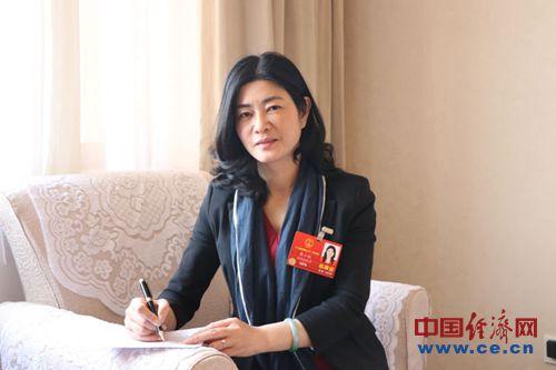 人大代表李小红:建议全面支持商贸流通业品牌建设