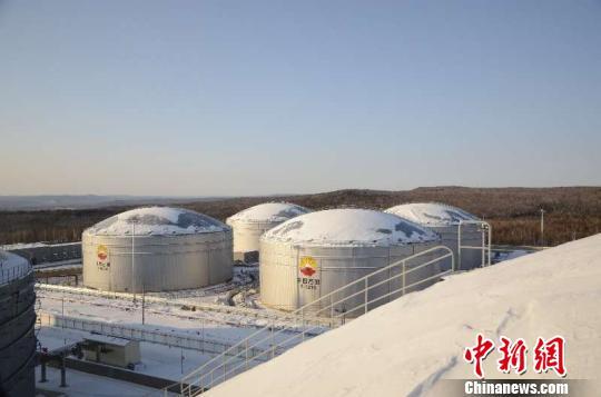 2018年1月起,经中俄原油管道进口的俄罗斯原油水含量检测改用新标准。 钟欣 摄