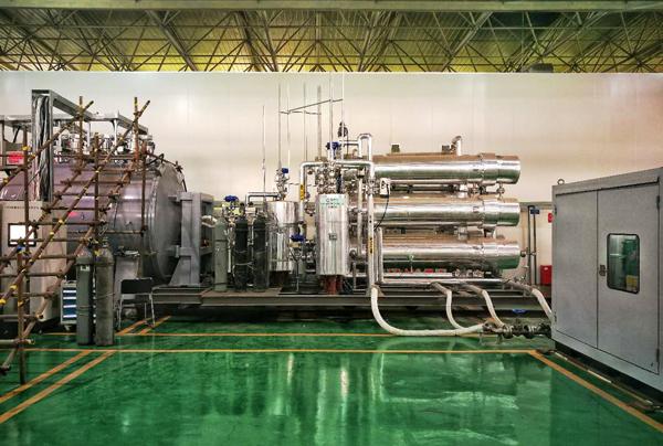 中核研制真空室内部件热氦检漏设备通过验收